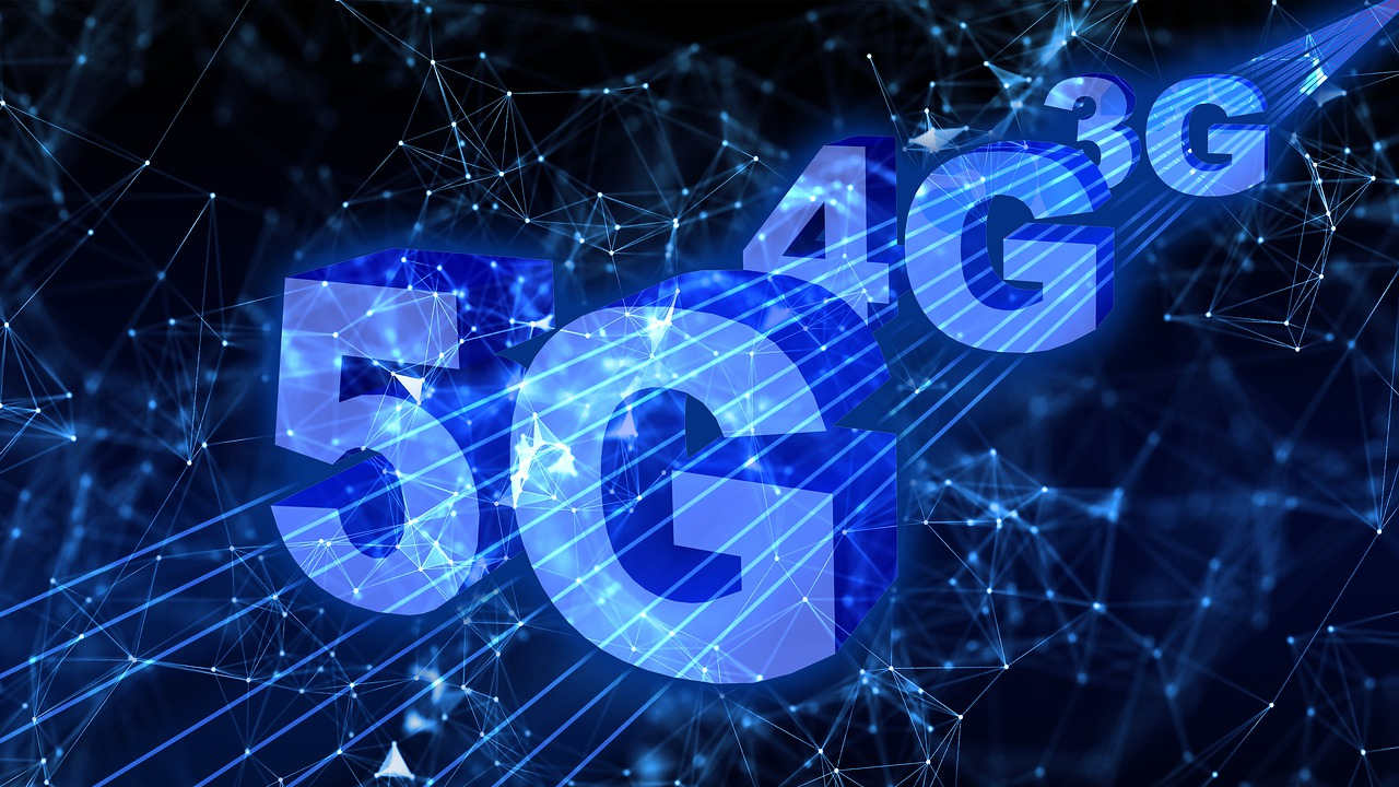Verizon and AT&T Battle for 5G Supremacy